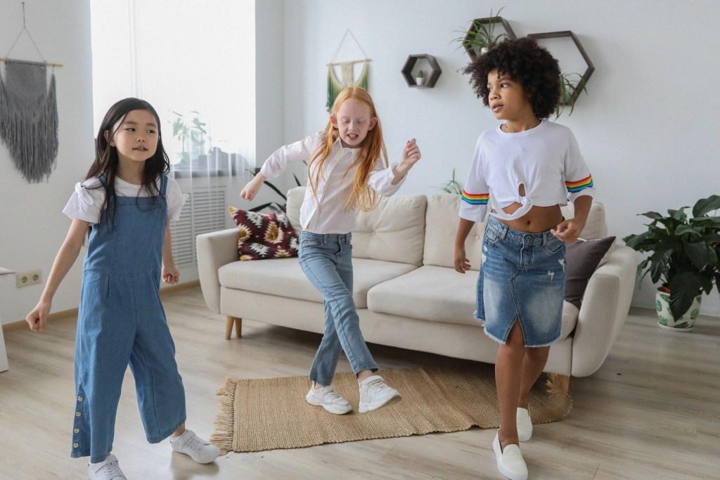 teaching math through dance three girls dancing